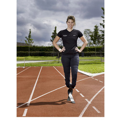 Paralympier Marlou van Rhijn editorial for UWV Magazine.
