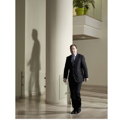 Ronald Broeders (CEC UWV) editorial for UWV Magazine.